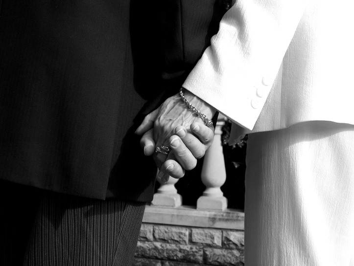 love-in-black-and-white-1538905.jpg